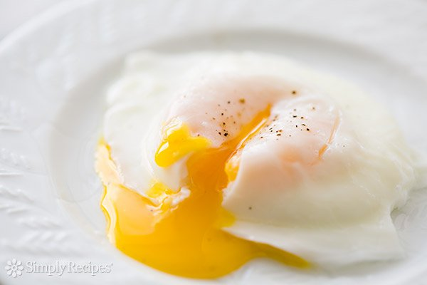 easy-poached-eggs-b-600